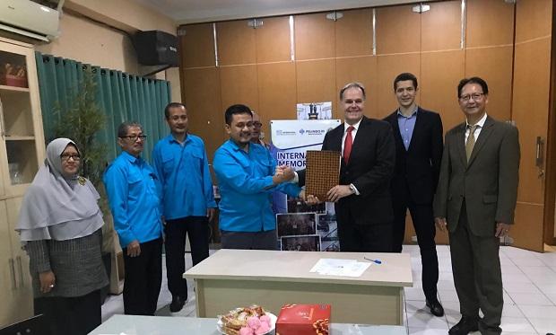 MoU STC and STIAMAK Surabaya Indonesia